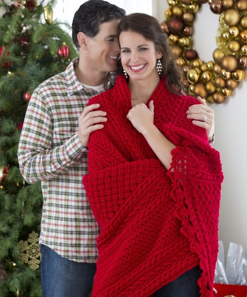 Heavenly Holiday Cables Throw
