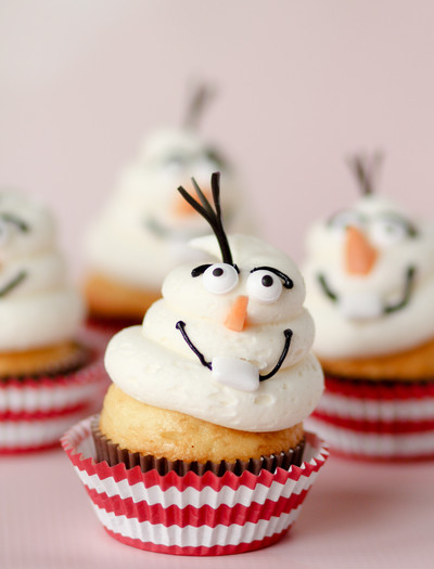 Adorable Frozen Olaf Cupcakes