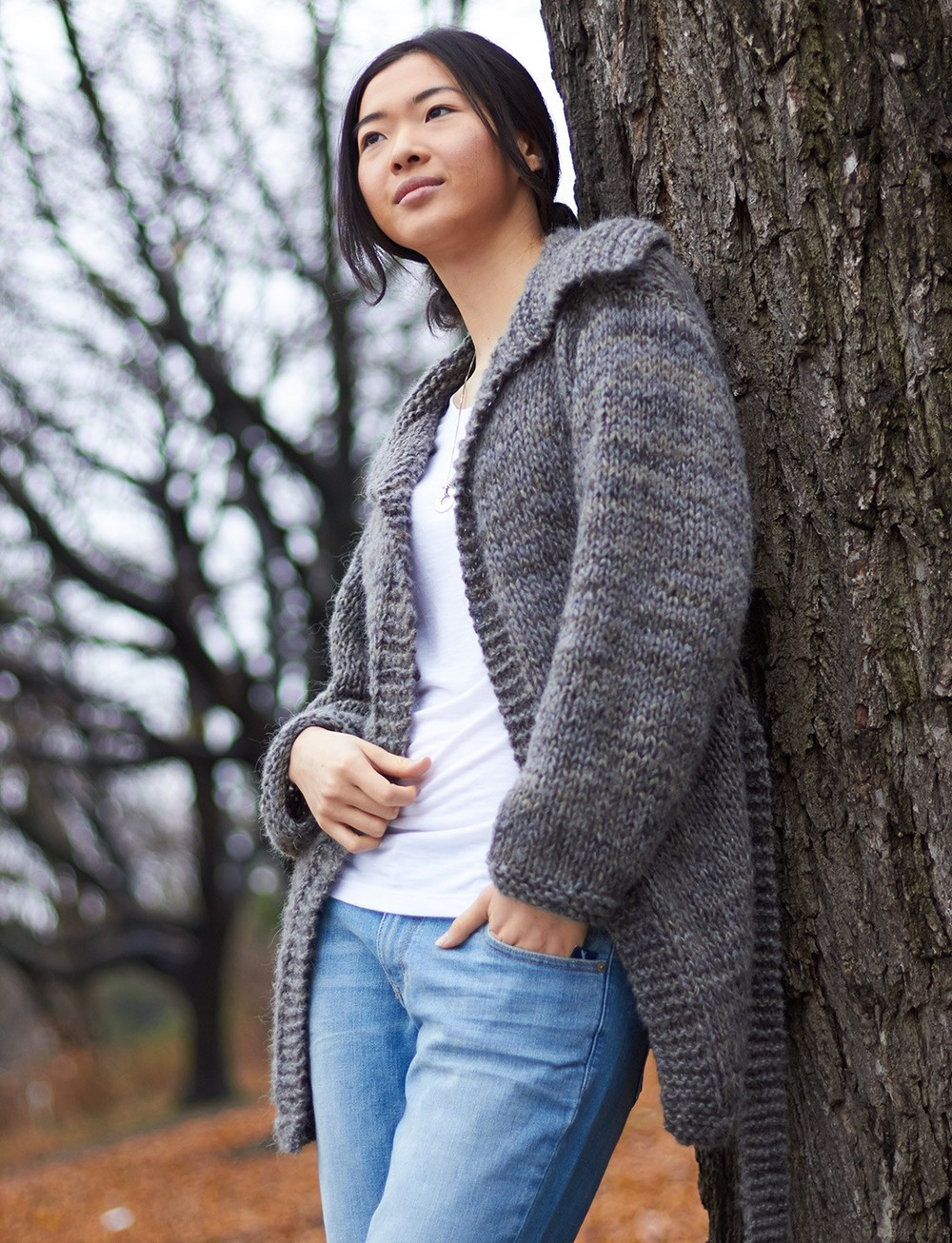 Knitting Patterns For Larger Ladies : Easy Saturday Cardigan AllFreeKnitting.com