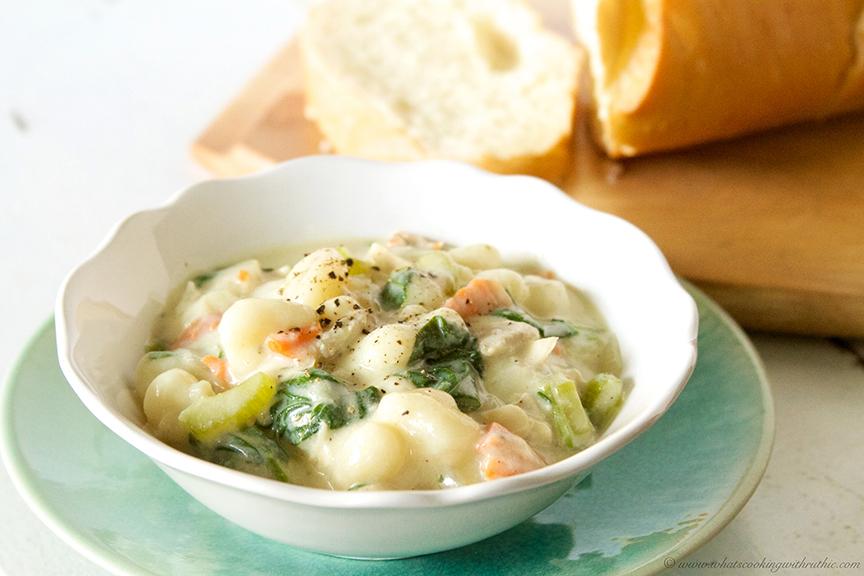 Copycat Olive Garden Chicken Gnocchi Soup