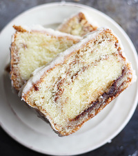 Easy Cinnamon Roll Pound Cake