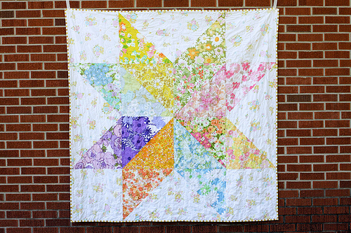 Free Star Flower Quilt Patterns : Giant Vintage Starflower Quilt FaveQuilts.com