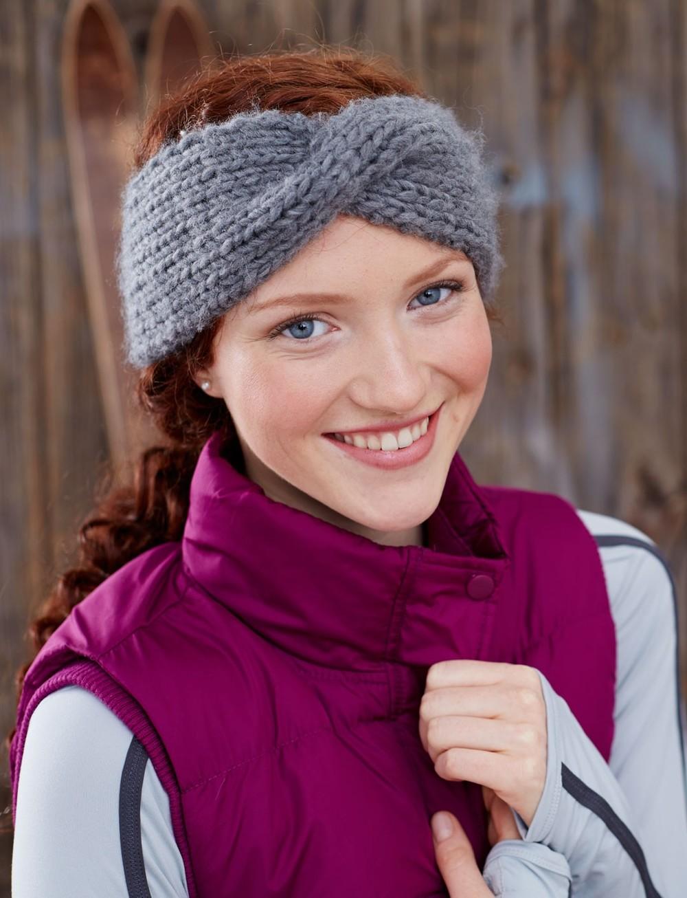 Twist Headband Knitting Pattern : Twisted Sister Headband AllFreeKnitting.com