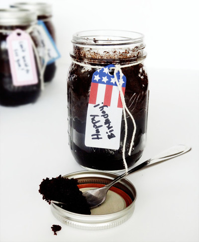 How to Make Cake in a Jar