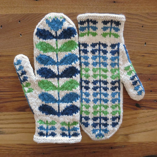 Blooms in December Mitts