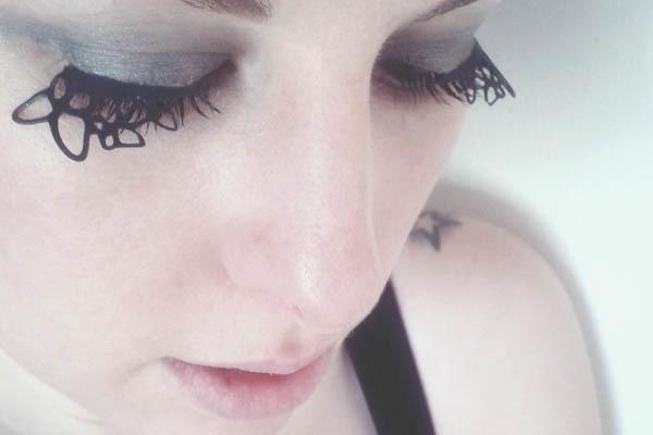 diy false paper eyelashes