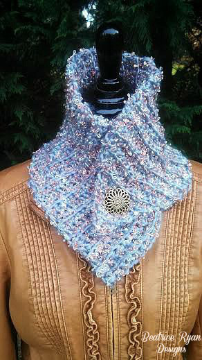 Royal Queens Crochet Cowl