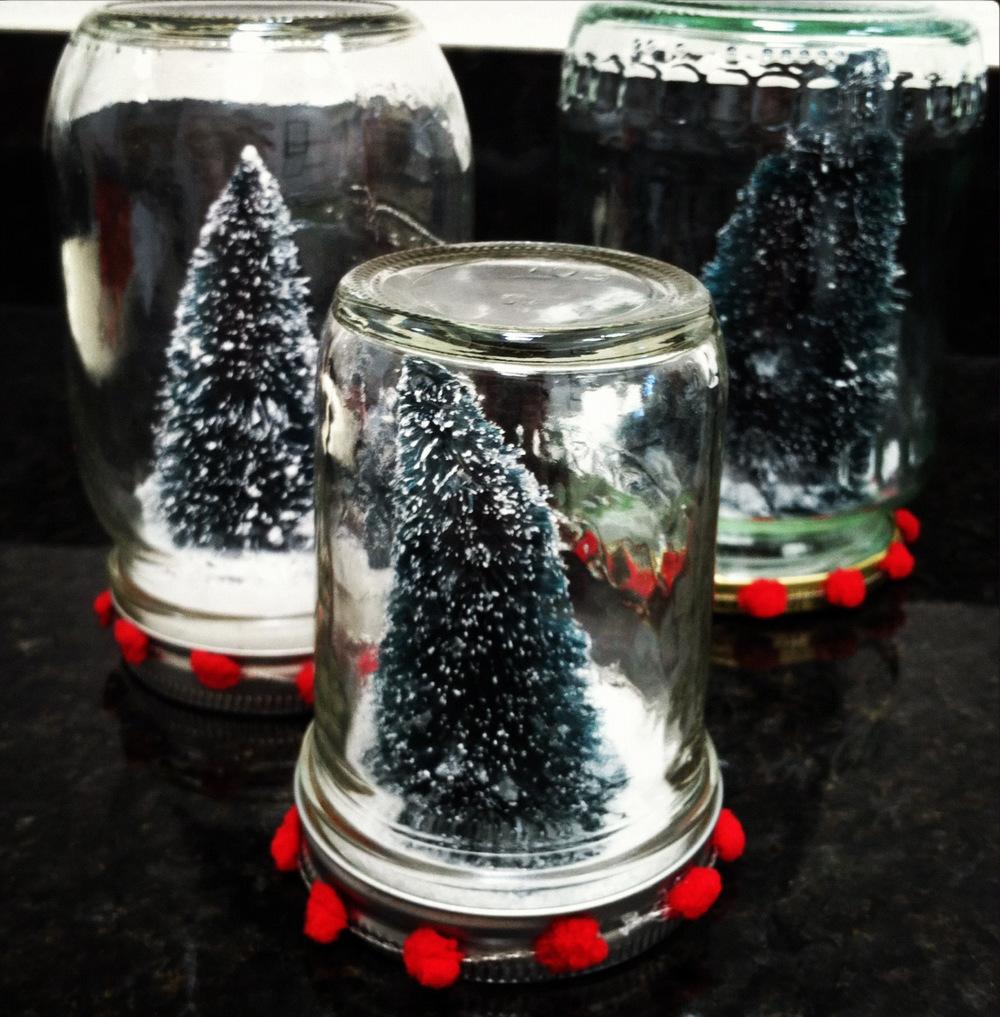 Mason Jar Snow Globes   AllFreeHolidayCrafts.com
