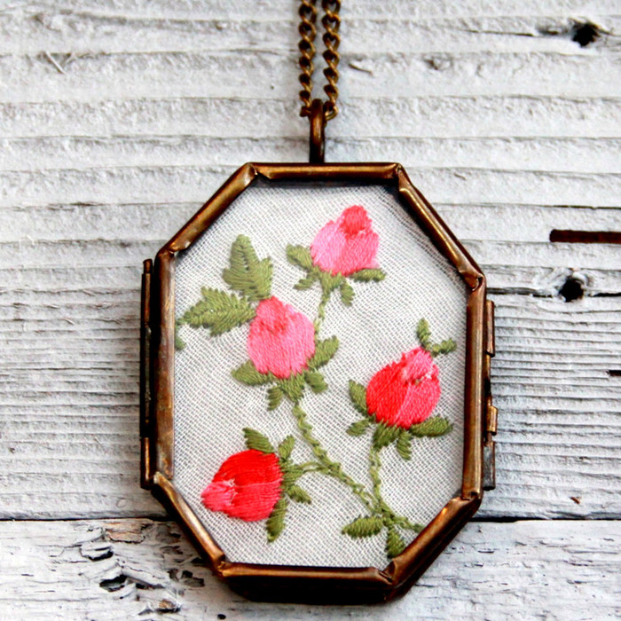 Easy Vintage Handerkerchief Necklace