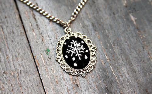 Stunning Snowflake Necklace