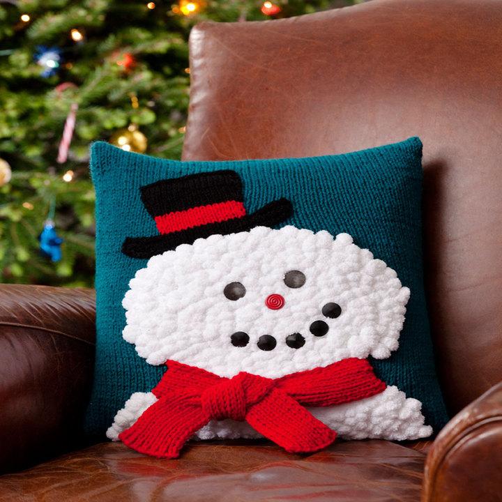 Smiley Snowman Pillow   AllFreeKnitting.com