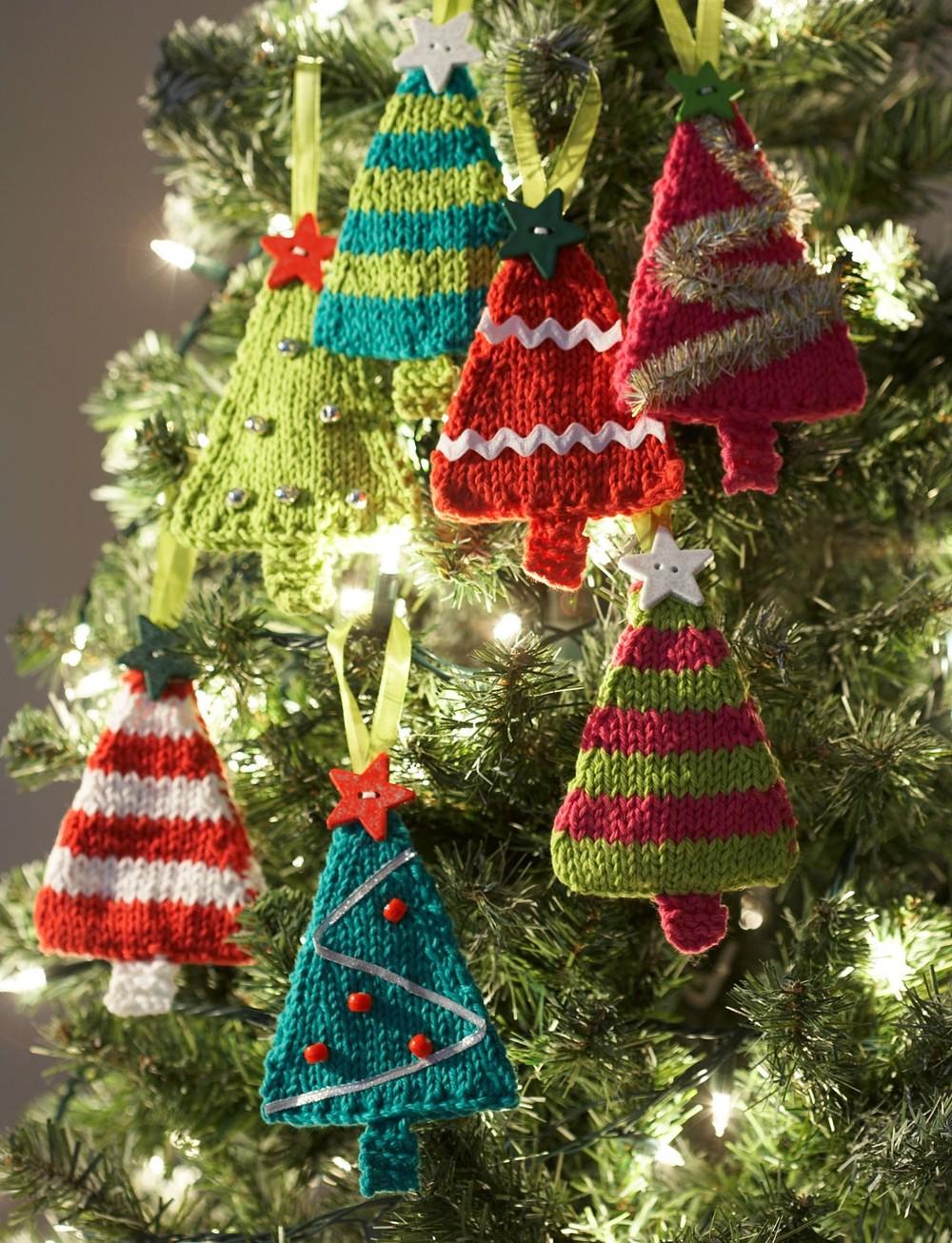 Loom Knit Christmas Ornaments Part - 35: AllFreeKnitting.com