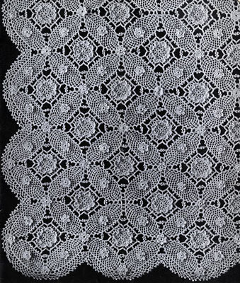 Vintage 1935 Wedding Ring Crochet Bedspread