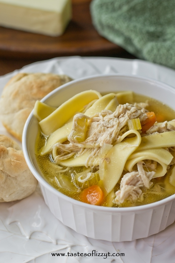 Copycat Bob Evans Chicken and Noodles Soup