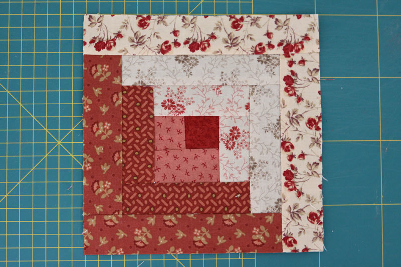 Two Tone Log Cabin Quilt Block Favequilts Com