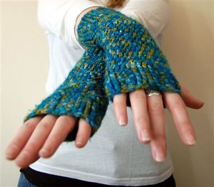 Alice Inspired Mitts