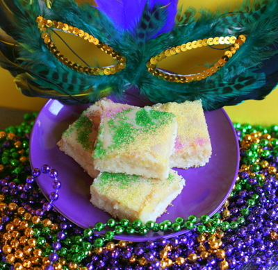 Easy King Cake Bars