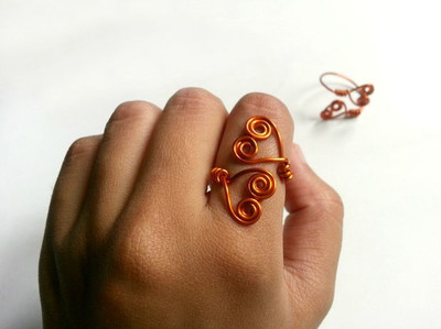Swirling Double Heart Wire Ring
