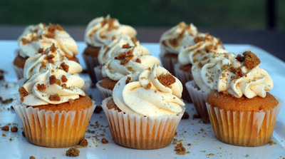 Cracker Barrel-Inspired Pumpkin Pudding Cupcakes
