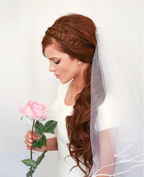Graceful Curled Pony Bridal Hairstyle