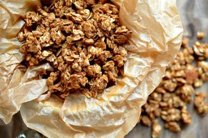 10-Minute Homemade Granola