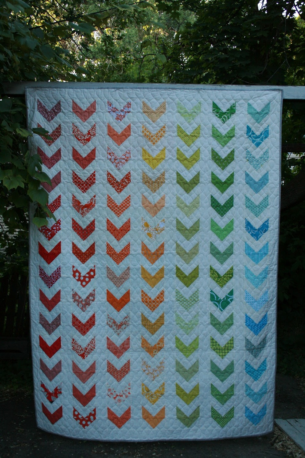 Rainbow chevron twin bed quilt for Bed quilting designs