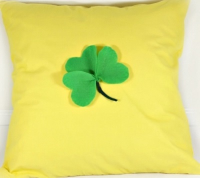 One Hour DIY Pillow