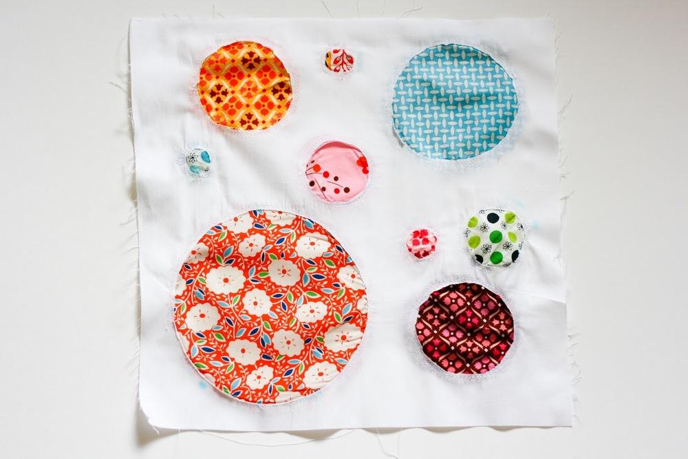 Reverse Applique Circles Block Favequilts Com