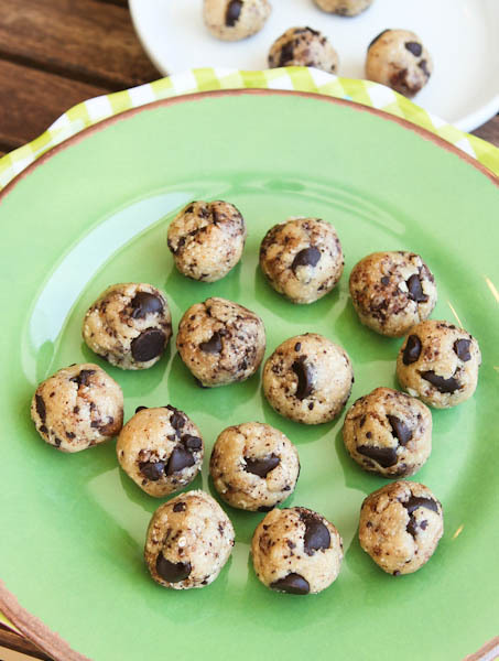 No Bake Coconut and Chocolate Chip Cookie Dough Bites
