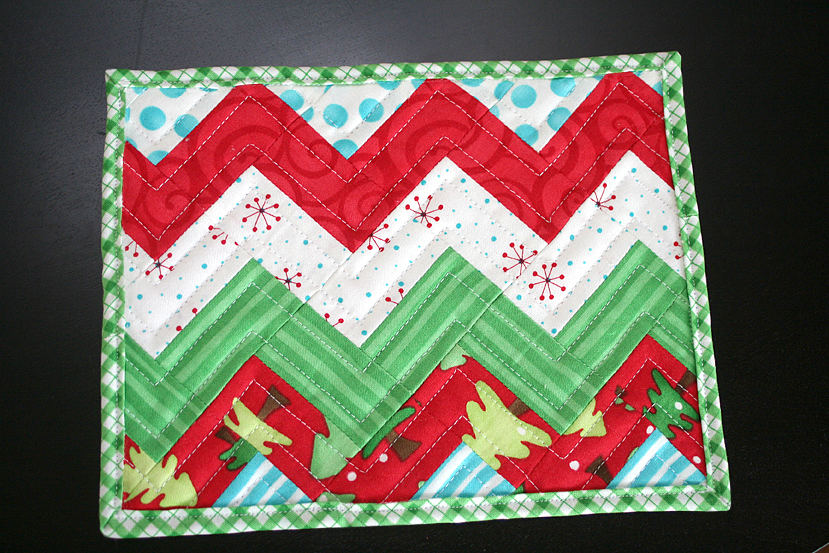 Strip Pieced Zig Zag Mug Rug Favequilts Com