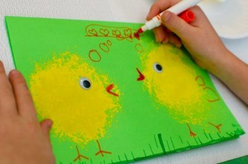 Lively Loofah Spring Chick Painting