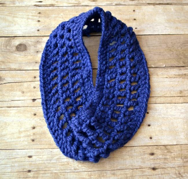 Infinity Cowl Crochet Pattern FaveCraftscom