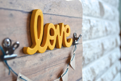 DIY Rustic Love Bunting Sign
