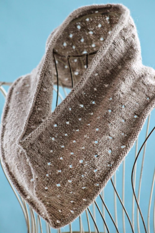 Knitting Patterns Cowls : Kinfolk Knit Cowl AllFreeKnitting.com