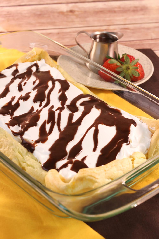 Elegant Cream Puff Cake Favesouthernrecipes Com