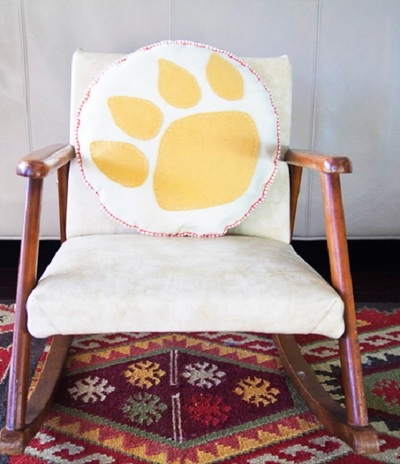 Kodiak Bear Paw Pillow Pattern