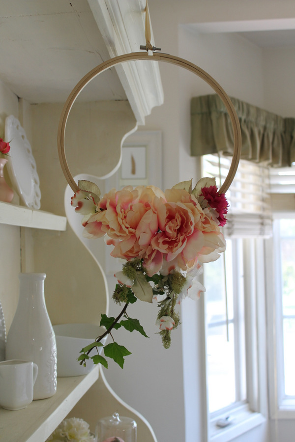 Flower Hoop Wreath | AllFreeHolidayCrafts.com