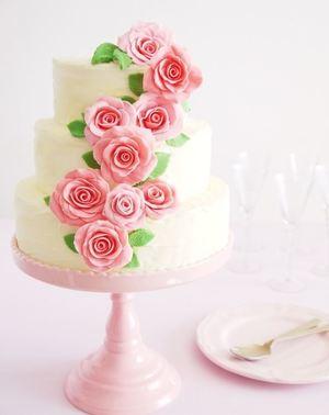 Climbing Roses DIY Wedding Cake