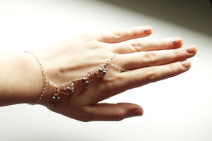 Exquisite Wire Hand Bracelet