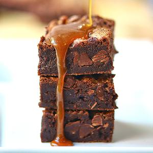 Flourless Salted Caramel Brownies