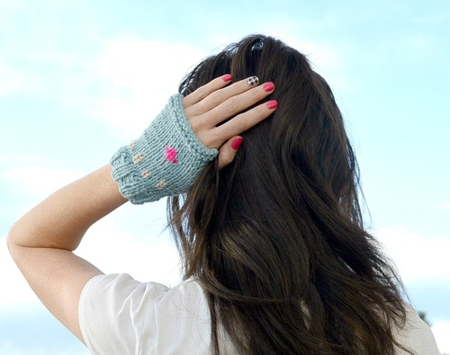 Light and Trendy Fingerless Mitts