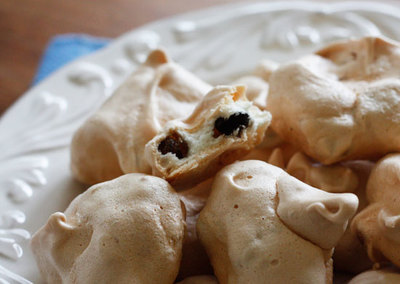 Low-Carb Chocolate Chip Clouds