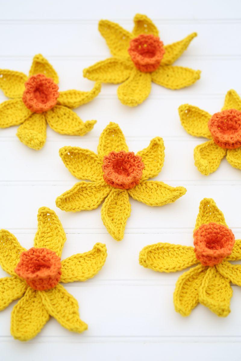 Free Crochet Daffodil Flower Pattern : Blooming Daffodil Crochet Pattern FaveCrafts.com