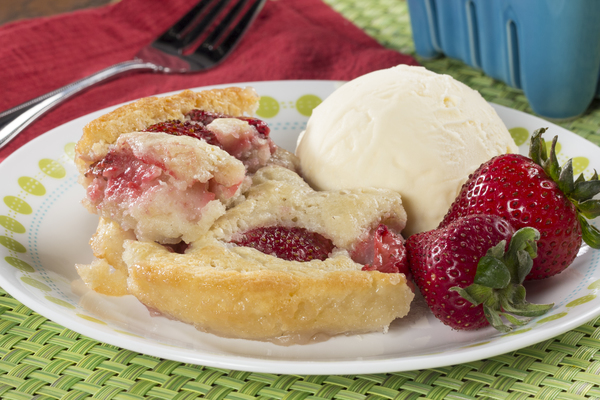 Fast Strawberry Cobbler