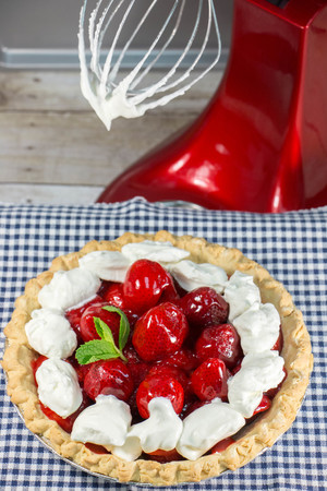 Easy Strawberry Refrigerator Pie
