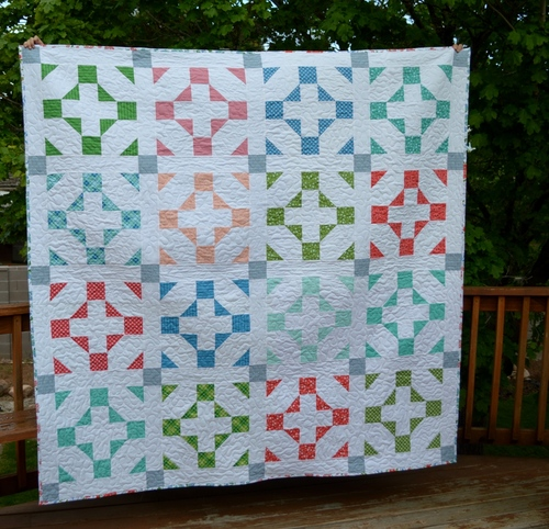 Trip around the world bed quilt for Bed quilting designs