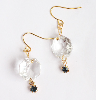 Simple Vintage Chandelier Earrings