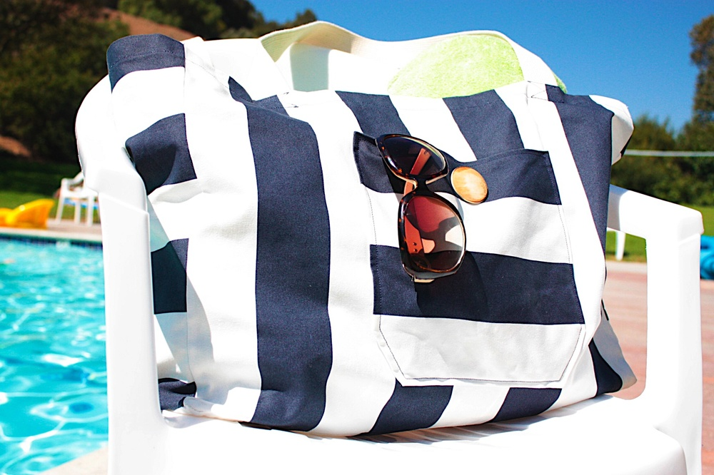 Canvas Beach Bag | AllFreeSewing.com