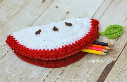 Crochet Apple Pouch