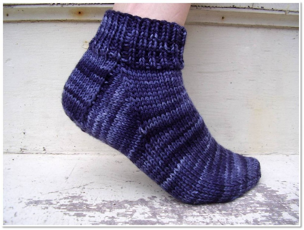 Knitting Slippers For Charity : Easy peasy socks allfreeknitting